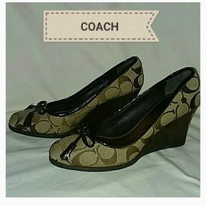 COACH WEDGES ~ SIZE 5-B